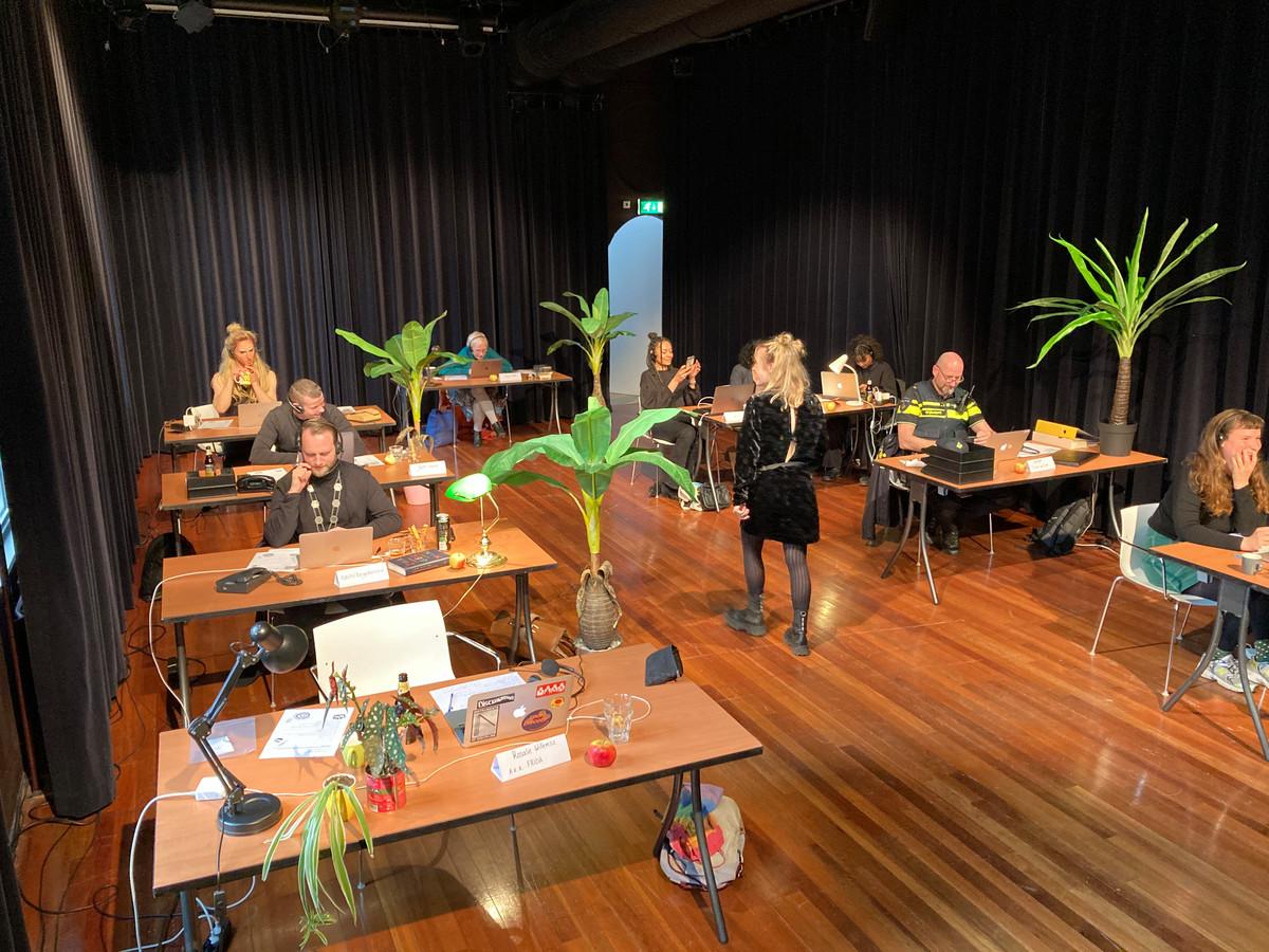 Callcenter Mèn-wèl-bèlle in Theater De Nieuwe Vorst