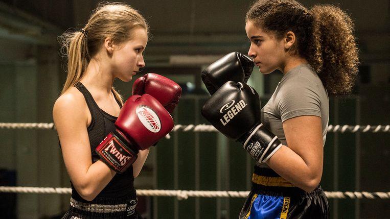 Aiko Beemsterboer en Noa Farinum in Vechtmeisje (2018). Beeld