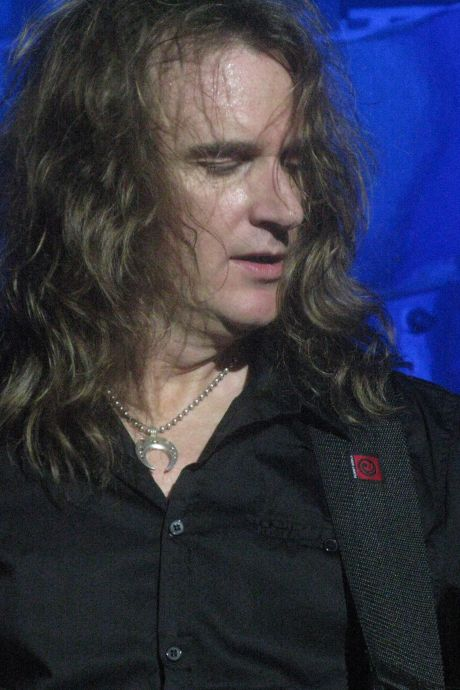 Le cofondateur du groupe Megadeth, David Ellefson, viré pour avoir eu des rapports sexuels virtuels avec une fan de 19 ans