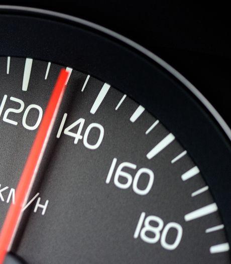 Man (18) scheurt met 187 kilometer per uur voorbij lasercontrole op A16 bij Prinsenbeek