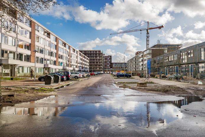 Op Kanaleneiland wordt fors gebouwd en gerenoveerd om het woonklimaat te verbeteren.