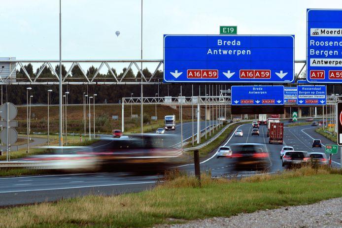 De A16 tussen Breda en de Moerdijk. Na afloop van de eerste lockdown lag het aantal auto's weer op het niveau van voor corona.