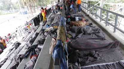 Eerste migranten komen aan in Mexico-Stad op weg naar VS