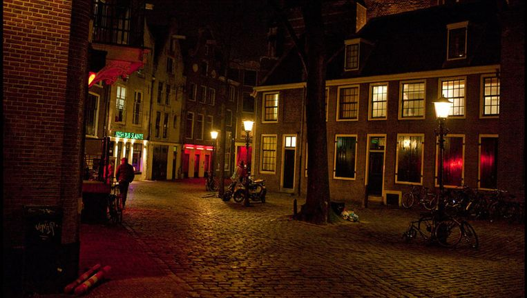 Het Oudekerksplein in Amsterdam. Foto Amaury Miller Beeld