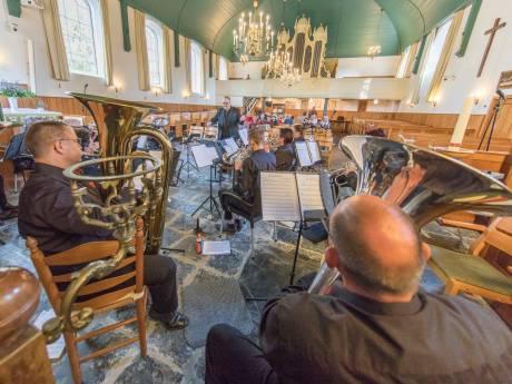 Brassband Wilhelmina is maar een klein clubje meer: 'Eén vereniging op het eiland, misschien is dat een idee'