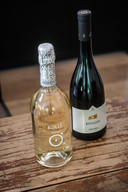 Schuimwijn Bollé en rode wijn Rifugio primitivo.