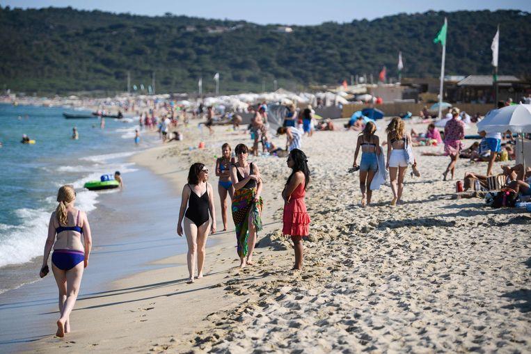 Voor Belgen is Frankrijk een van de populairste vakantiebestemmingen. Door de gezondheidspas uit te breiden wordt een zorgeloze vakantie bemoeilijkt. Beeld AFP