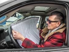 Vroeg stemmen lokt niet alleen kwetsbaren naar Zwolse drive-through: 'Mijn vrouw heeft corona gehad'