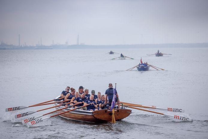 In 2016 begon Watersportvereniging Willemstad met het sloeproeien.