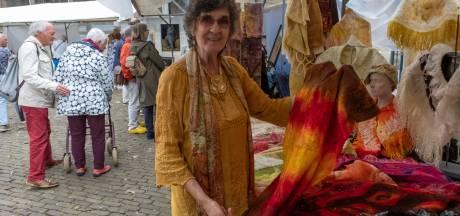 Kraamhouders en bezoekers blij met Kunstmarkt Middelburg, ook mèt coronamaatregelen