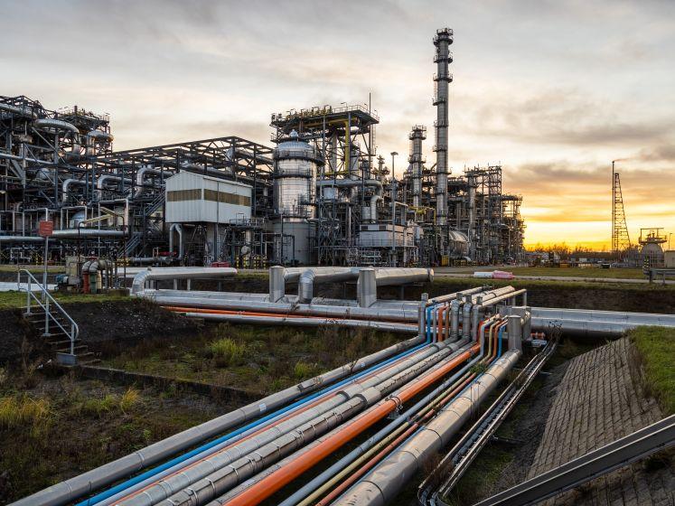 Technische problemen bij Shell Moerdijk onder controle: geen schadelijke gevolgen voor omgeving