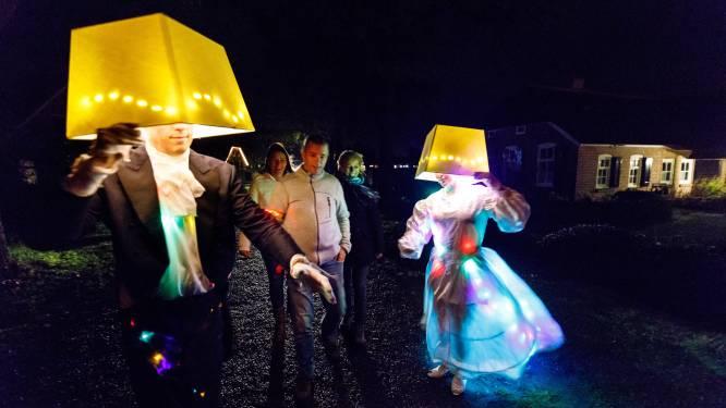 Lachen en griezelen bij Theaterwandeltocht in Sint Jansklooster
