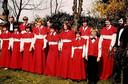 Het jeugdkoor uit Hellevoetsluis in 1980. Onder meer met Willem en Jacomien Douwes en Willem Meyboom.