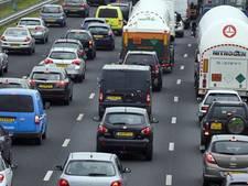 Ongeluk op de A15 bij Tiel zorgt voor files
