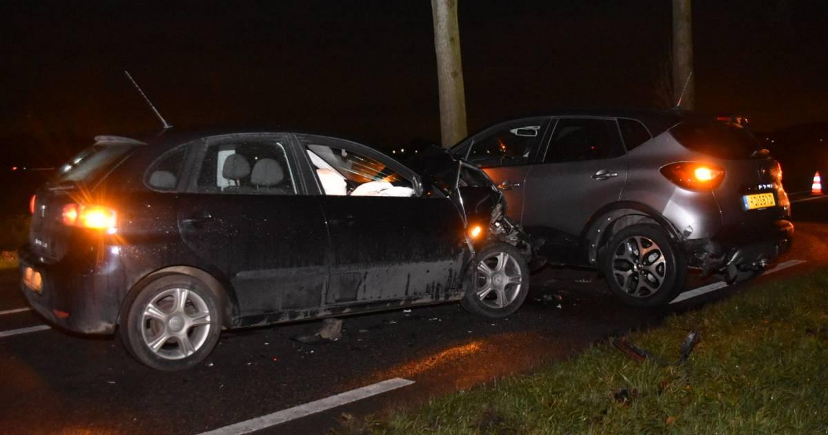 Drie autos beschadigd bij ongeval op recht stuk weg in Gameren.