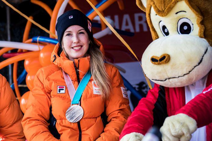 Lara van Ruijven tijdens de Westlandse huldiging na haar bronzen plak bij de Olympische Spelen in 2018. In de zomer van 2020 overleed ze.