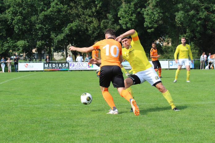 Walcheren (geel) en Terneuzense Boys waren samen goed voor negen doelpunten.