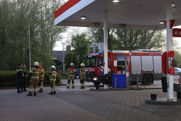 Brandweerlieden controleerden de winkel, maar troffen niets vreemds aan.