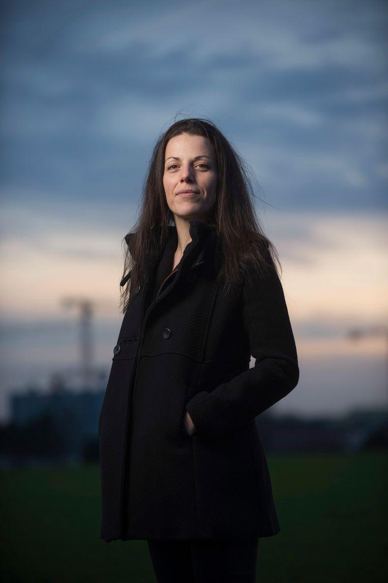 Criminologe Elke Van Hellemont bracht voor haar doctoraat lange tijd door bij Congolese bendes in Brussel. Beeld Karel Duerinckx