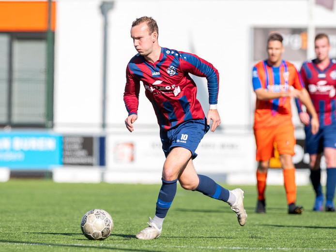 Hellendoorn verspeelde vorige week de koppositie en moet voor de periodetitel hopen op een misstap van De Esch en zelf winnen van Bergentheim.