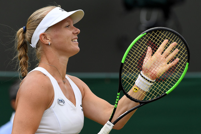 Kiki Bertens in actie op Wimbledon.