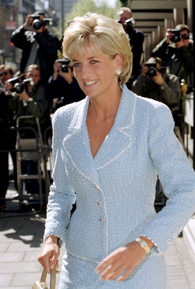 Prinses Diana draagt het Cartier-horloge bij de British Lung Foundation in 1997. Beeld Getty Images