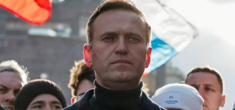 Les services pénitentiaires russes promettent d'arrêter Navalny dès son retour au pays