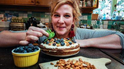 Anneleen houdt taartendag tegen kanker