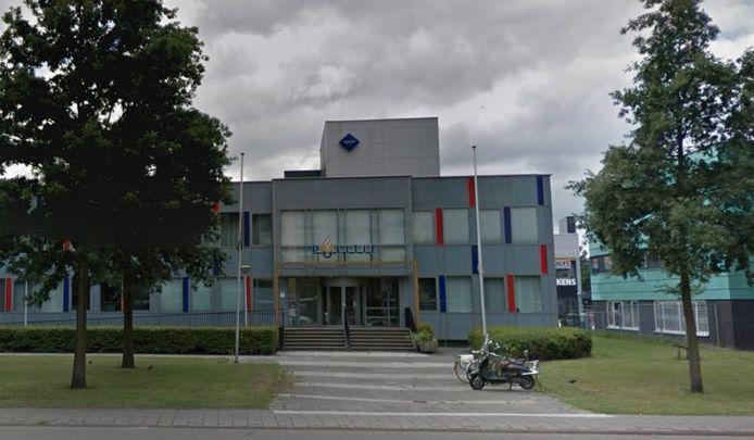 Het oude politiebureau aan de Westlandseweg 1 in Maassluis staat leeg.