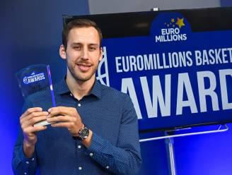 """Vladimir Mihailovic verkozen tot MVP van het jaar in de EuroMillions Basketball League. T2 Kevin Verhulst (Okapi Aalst): """"De award is dubbel en dik verdiend"""""""