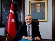 Turkse lira daalt met 17 procent na ontslag topman centrale bank