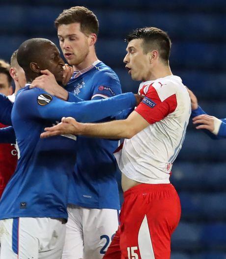Tsjechische regering over schorsing Slavia-speler: 'UEFA wil voldoen aan perverse verwachtingen'