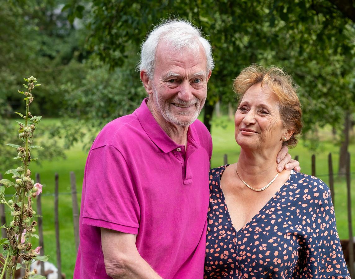 Bert en Marja Berendschot uit Epe vonden het raar dat ze moesten betalen voor zorg die door de corona-pandemie niet werd geleverd. De Nationale Ombudsman trekt er nu over aan de bel bij zorgminister Hugo de Jonge.