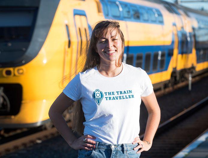 Melissa de Raaij springt samen met haar broer Dennis en zus Jessica in het diepe met The Train Traveller. ,,We hebben er alledrie ook eigen geld ingestopt en lopen dus een bepaald risico. Maar we houden wel van een avontuur. En we hebben er nu de tijd voor.''