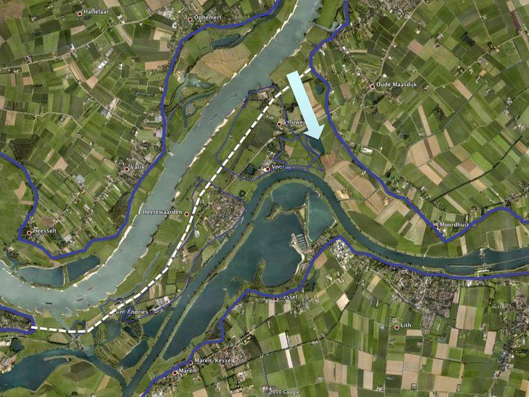 Voorlopige schets van de verbinding tussen Maas en Waal via het Gat van Voorne (de blauwe lijnen zijn dijken).  Beeld Jos Rademakers, ARK Natuurontwikkeling