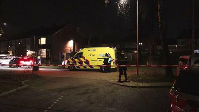 Een ambulance arriveert in de Frans Halslaan.