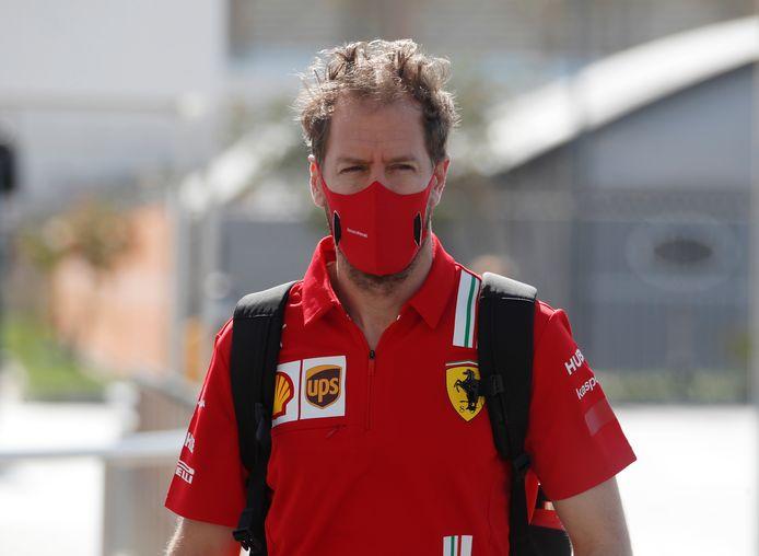 Sebastian Vettel, hier nog in Ferrari-shirt.