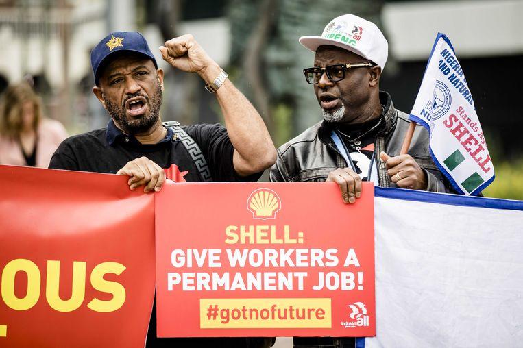Demonstranten eisen in 2018 dat het aantal flexcontracten bij Shell wordt beperkt. Beeld ANP