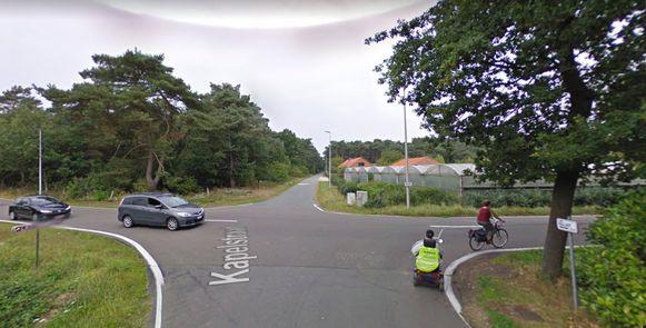 De aanrijding gebeurde ter hoogte van het kruispunt van de Ballaststraat en de Kapelstraat.