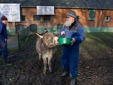 Houten is verdrietig en boos: 'Kinderboerderij gaat failliet, terwijl multinationals worden gered'