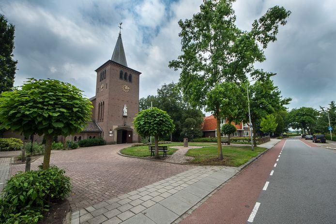 Het middelpunt van het dorp Fleringen: de Heilige Pancratiuskerk die in de jaren vijftig is gebouwd.
