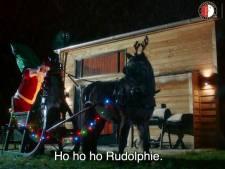 Jan Boskamp pakt als kerstman cadeautjes in voor selectie van Feyenoord