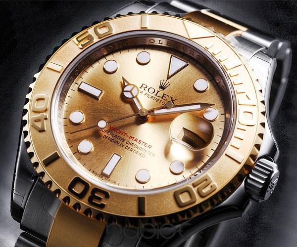 Bij een van de huiszoekingen is beslag gelegd op een gouden Rolex-horloge. Foto ter illustratie.