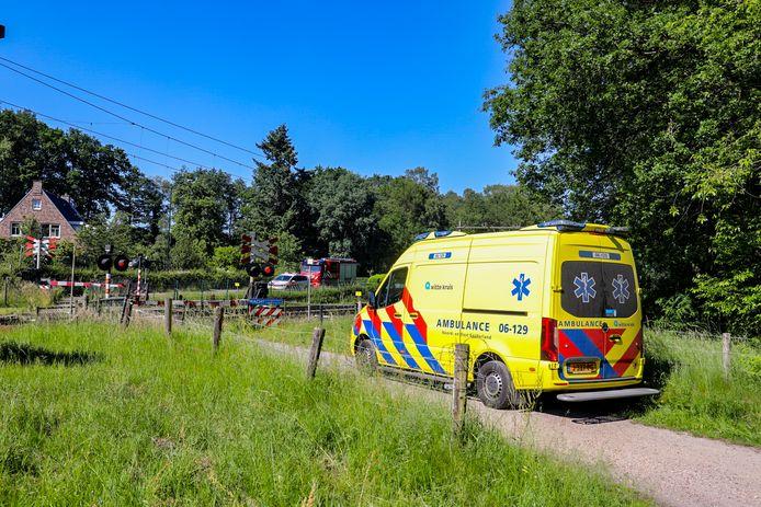 Het treinverkeer tussen Apeldoorn en Amersfoort ligt stil na een ongeval bij de spoorwegovergang op de Ordermolenweg