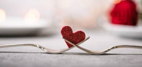Valentijnsdiner thuis? Met deze vier stijlen maak je je tafel feestelijk en romantisch