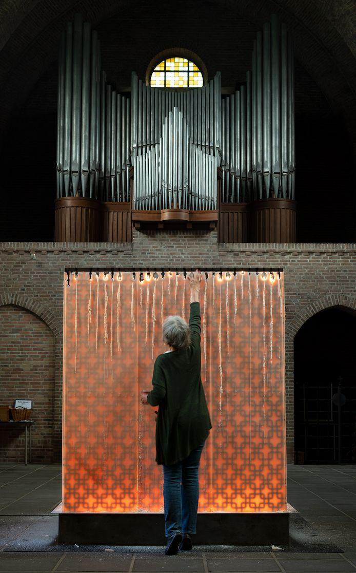 Installatie van Juliette Minchin op de tentoonstelling 'Hoop' in Oosterhout.
