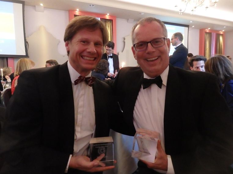 Tafelgenoten Robert-Jan van Vliet (Sia Partners) en Eduard van Mierlo (Sidetrade). Even later buiten: