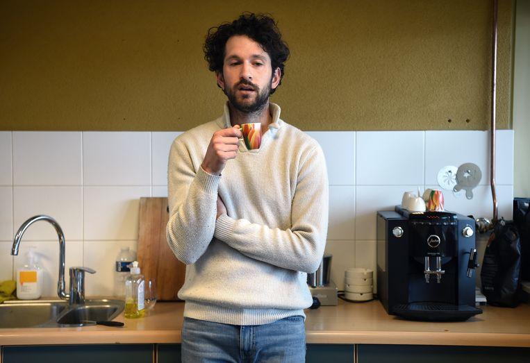Wéér een kopje espresso. Soms loopt de teller op naar tien. Beeld Marcel van den Bergh / de Volkskrant