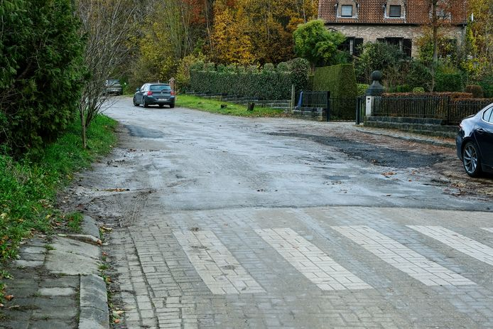 Het doodlopende gedeelte van de Albertlaan zou na de winter heraangelegd moeten worden.