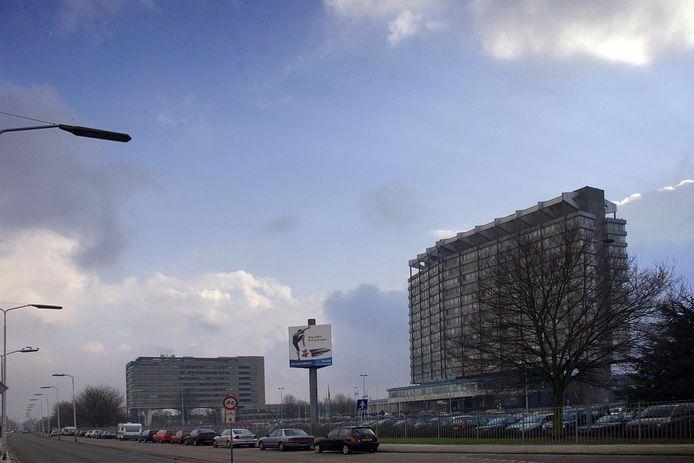 Eindhoven, Philips Nederland aan de Boschdijk en links de Origingebouwen.